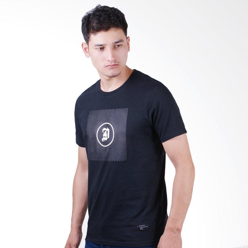 DSVN Duke Printed T-Shirt Pria - Black Extra diskon 7% setiap hari Extra diskon 5% setiap hari Citibank – lebih hemat 10%