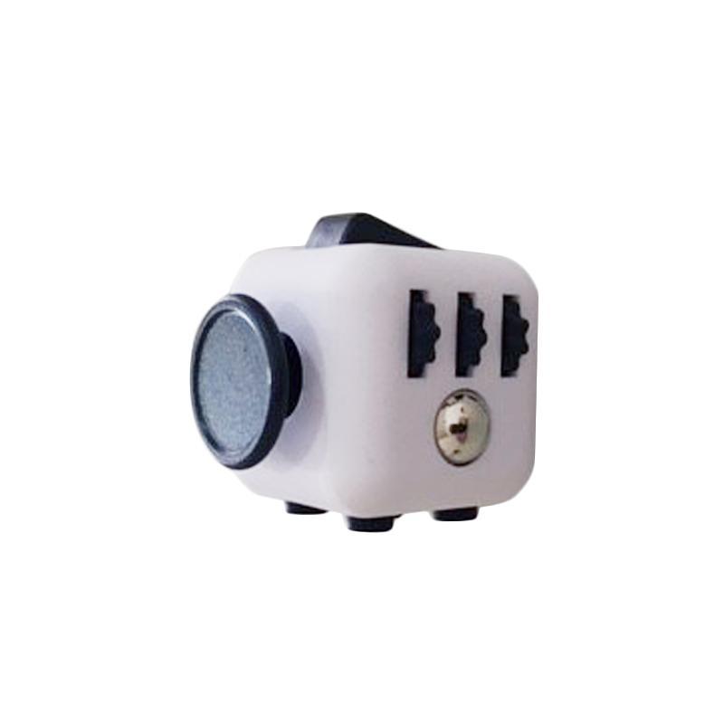 Fidget Cube Mainan Edukasi - Putih dan Hitam