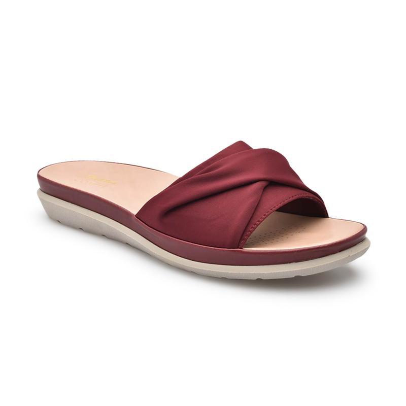 Bikin Tampilan Makin Trendy, Berikut Deretan Produk Sandal Bata Dengan Desain Terbaik