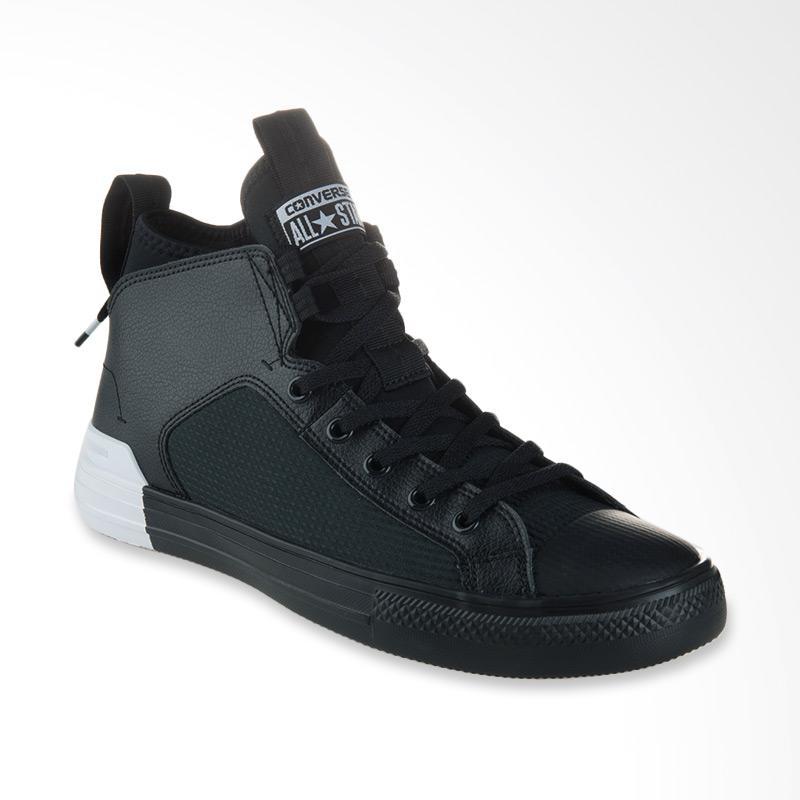harga Converse Chuck Taylor All Star Sepatu Pria - Ultra Black White [CON159627C] Blibli.com