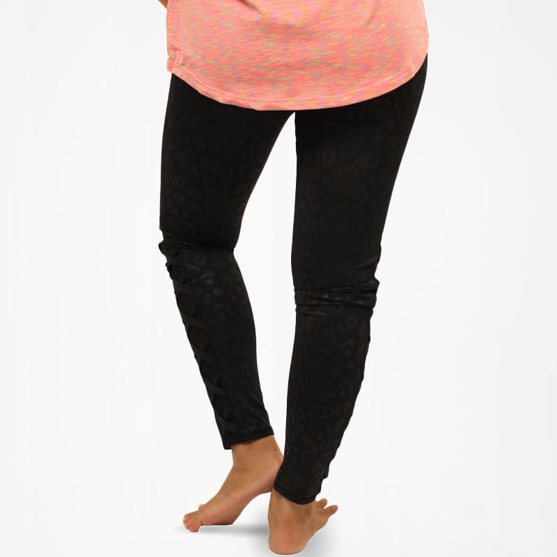 Jual Bebe Sport Tiger Dot Skin Legging Celana Olahraga Wanita Black 09bbl001 Online Oktober 2020 Blibli Com