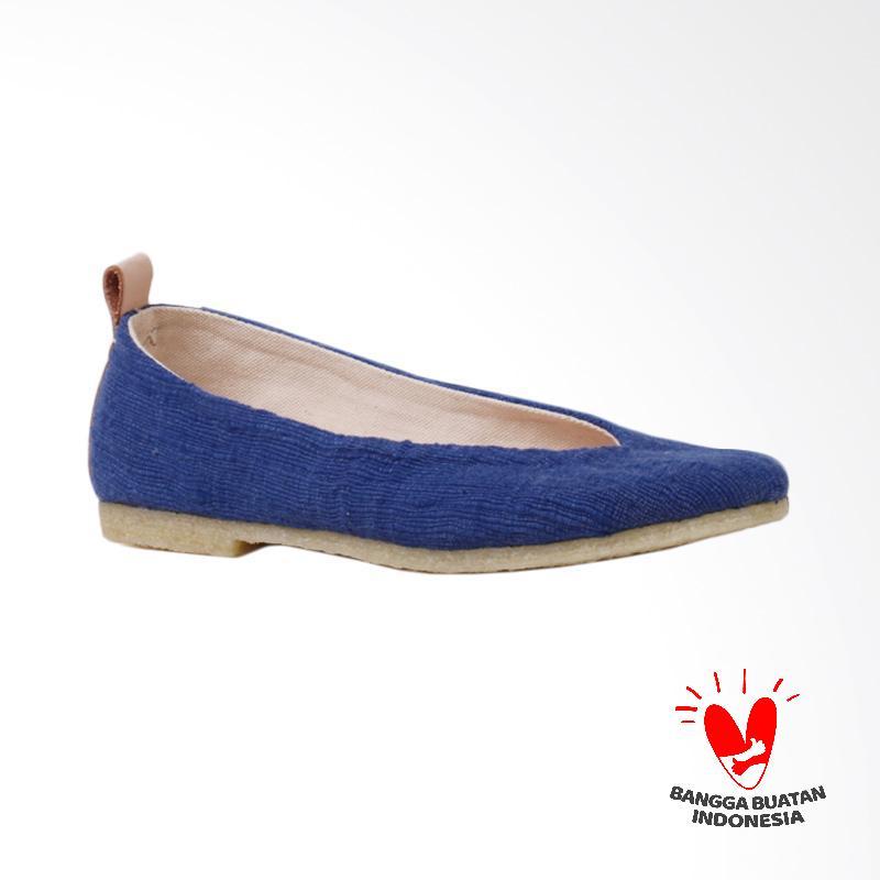 Pijak Bumi Gaia Flat Shoes Wanita Blue