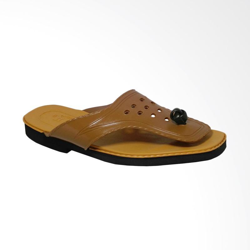 HQo Lily Japit Si Pitung Klasik Sandal Pria - Coklat Muda