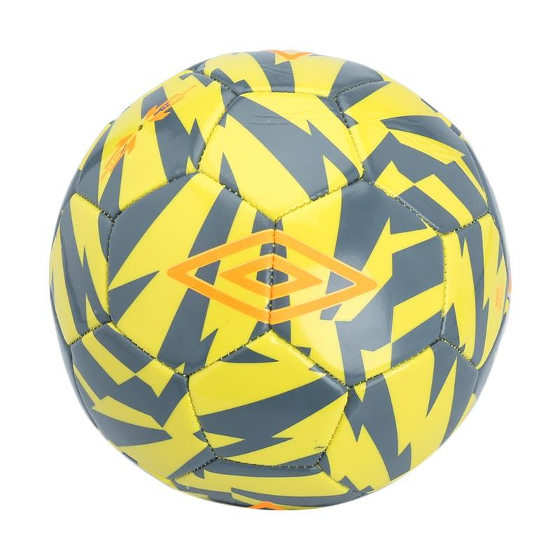 Umbro Copa Blazing Bola Futsal - Yellow  20856U-FDL  Size 4  e8243f37a7898