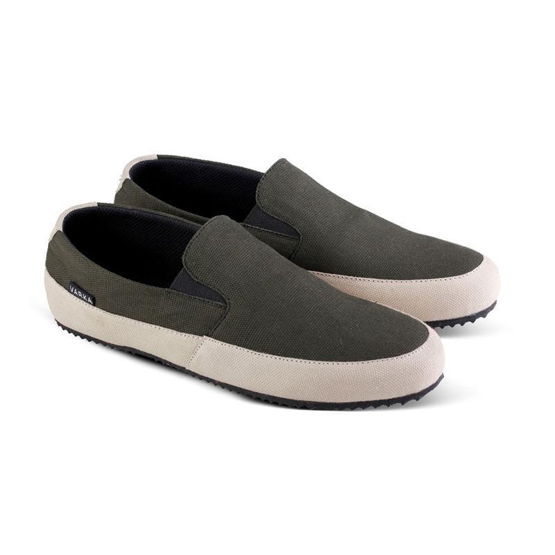 VARKA Sepatu Slip On Pria [021 BC0100]