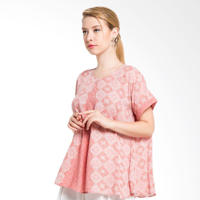 Batik Aksen Tropis Paris Kombinasi Blouse Wanita Pink
