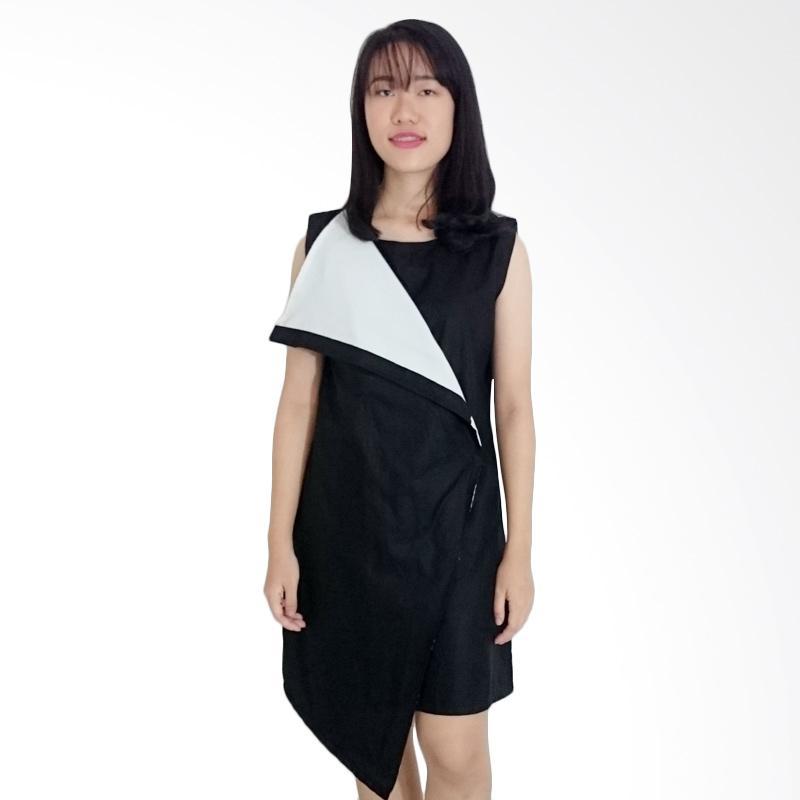 Kulo Monochrome Assymetric Hem Dress