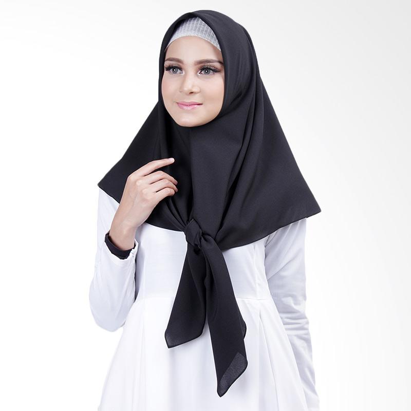 Cantik Kerudung Lizzie Plain Square Shawl Jilbab Segiempat - Black