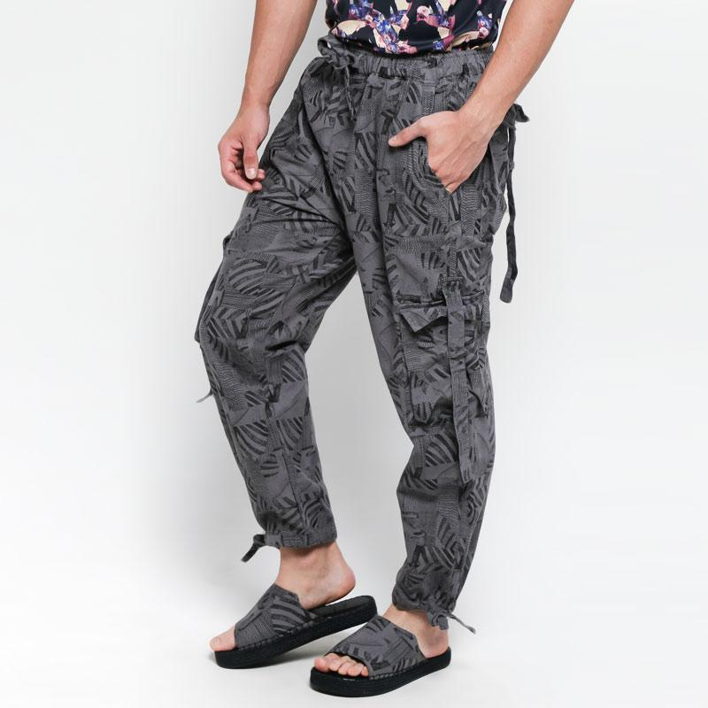 Wellborn Prime Depiction Pants Celana Panjang Pria Grey