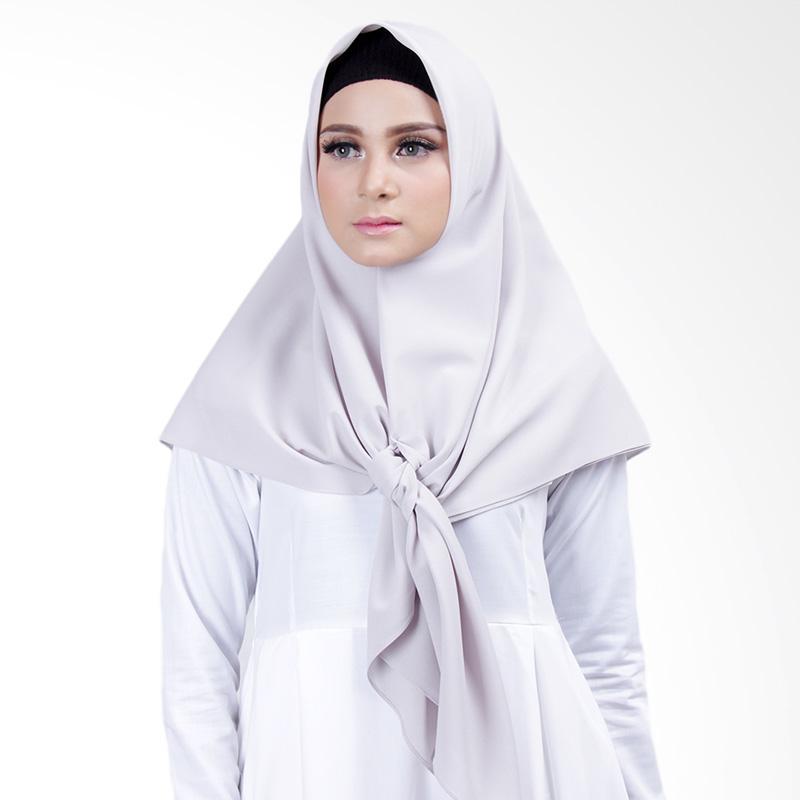 Cantik Kerudung Lizzie Plain Square Shawl Jilbab Segiempat - Light Grey