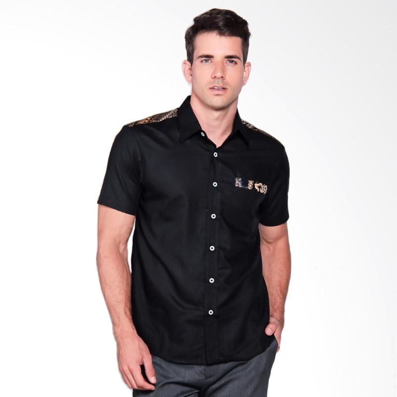 Batik Heritage Combination On Shoulder Slim Fit Kemeja Pria - Hitam
