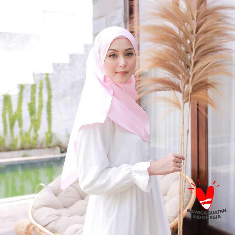Jual Jaya Hebat Hijab Jilbab Kerudung Pashminapremium Satin Velvet Online Oktober 2020 Blibli Com