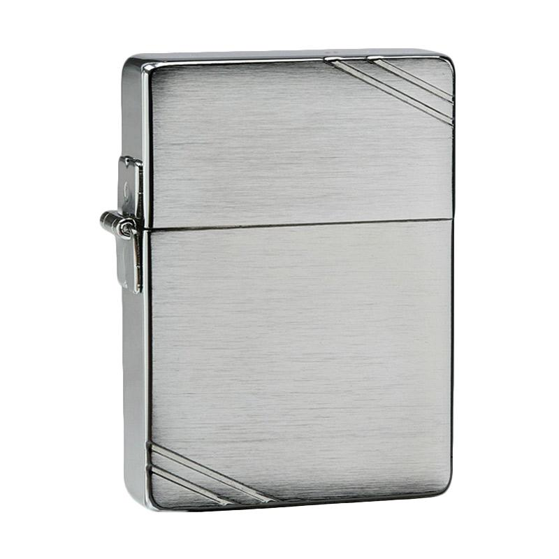 Zippo 1935 Replica Brushed Chrome with Slashes Lighter