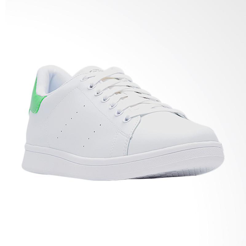Kelebihan Dari Produk Life8 Classic Casual Cattle Fabric Sepatu Sneakers Pria - White [09580]