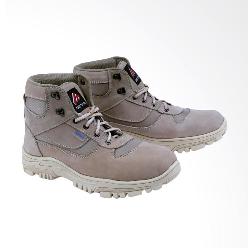 Garsel Sepatu Boots Pria - Cream GAJ 2010