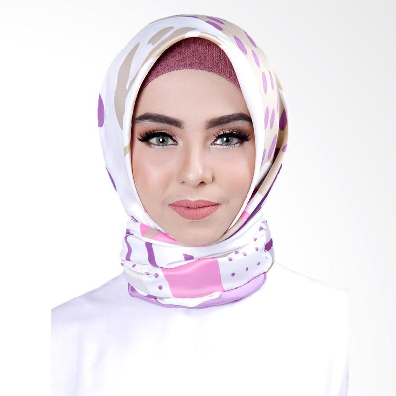 Cantik Kerudung No.3 Khloe Printed Square Shawl Jilbab Segiempat - Purple
