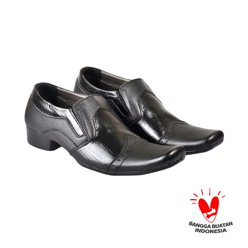 Harga Cbr Six Sepatu Formal Christopher Kulit TFC 393 - Hitam ... 567446f4c9