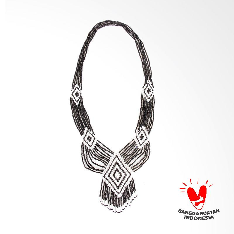 Borneo Craft KLM1 Kalung Manik Dayak Black White
