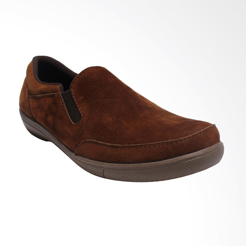 jual black shoes suede sepatu slip on pria coklat a6