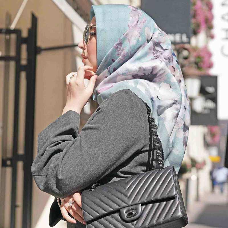 Buttonscarves Le Fleur Square Jilbab Segiempat Wanita Turquoise Daisy