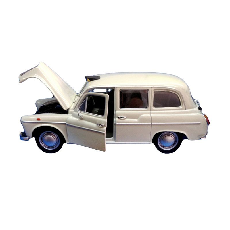 Welly Austin FX4 London Taxi White