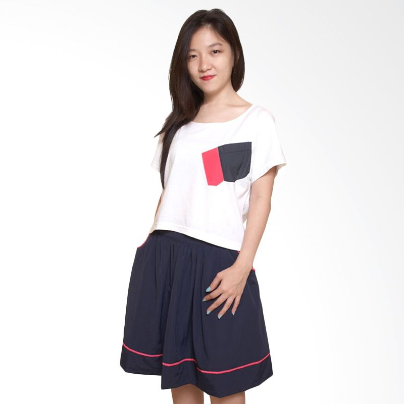 Adore Debby Putih T-shirt