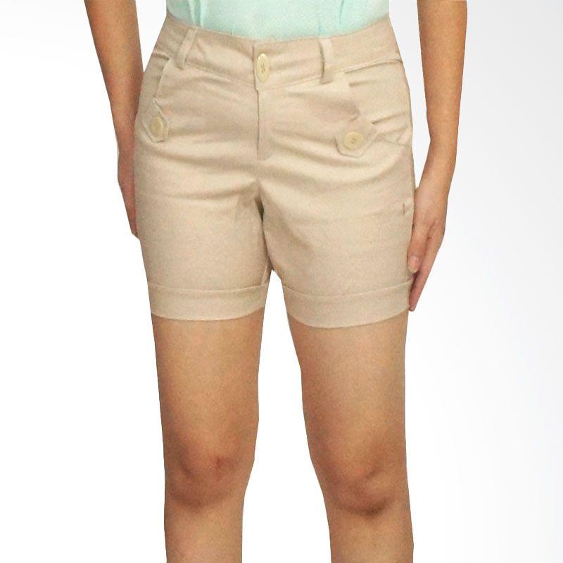 Adore Cream Celana Pendek Wanita