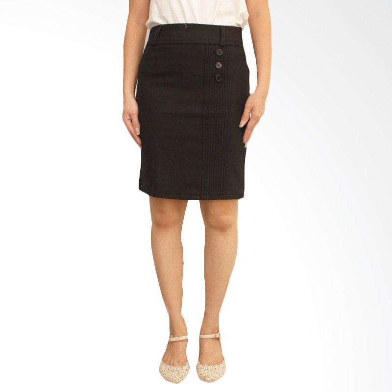 Adore Skirt 3-Button Black