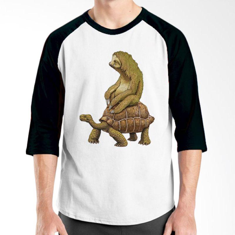 Ordinal Animal Character 13 Raglan Hitam Putih T-Shirt Pria
