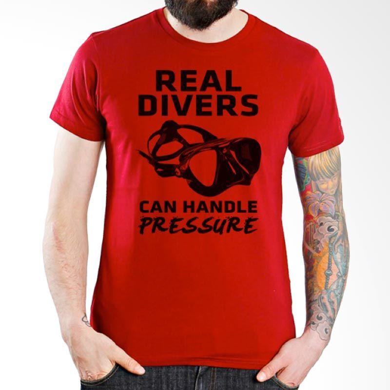 Ordinal Diving Geek 11 Merah Kaos Pria