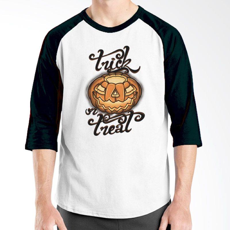 Ordinal Halloween Trick or Treat 01 Raglan Putih Hitam Kaos Pria