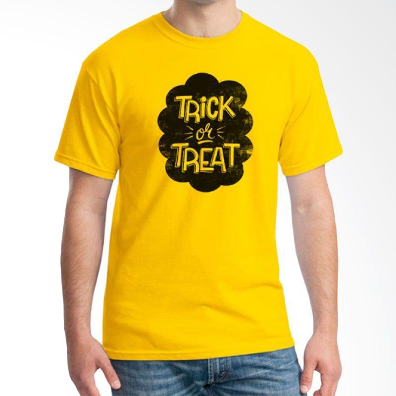 Ordinal Halloween Trick or Treat 09 Kuning T-Shirt Pria