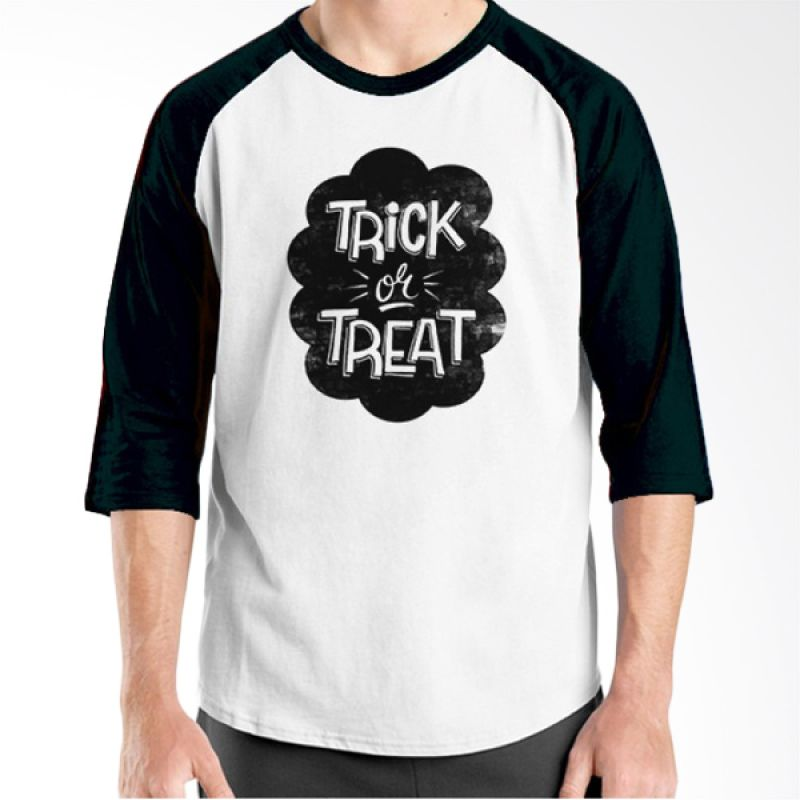 Ordinal Halloween Trick or Treat 09 Raglan Putih Hitam Kaos Pria