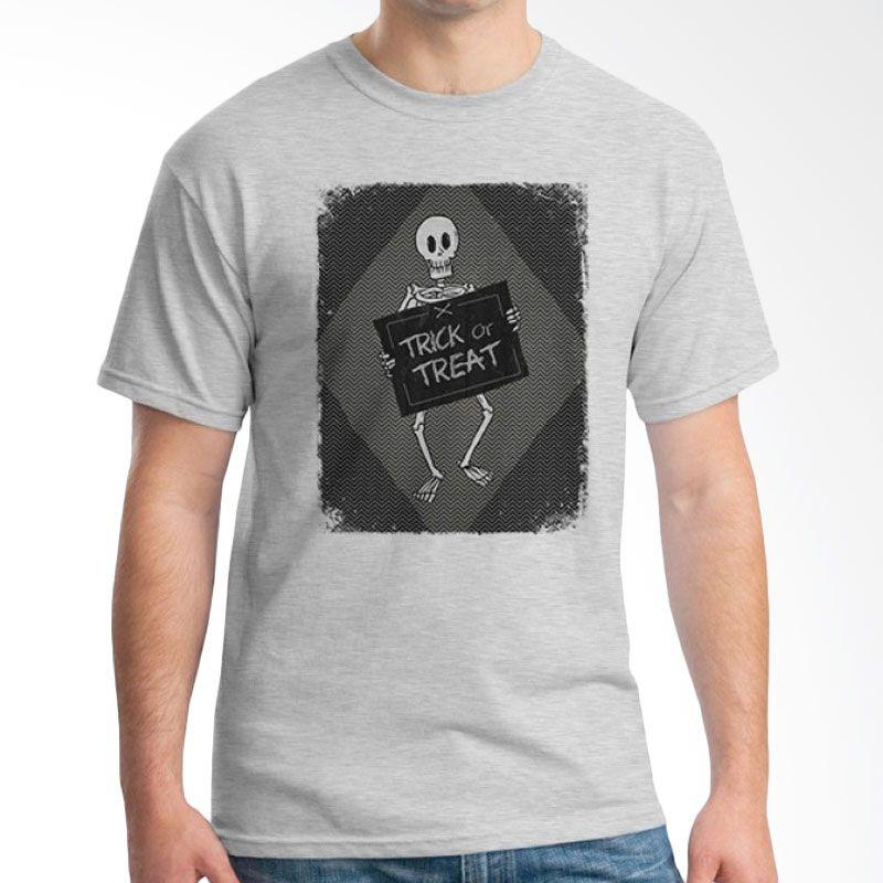Ordinal Halloween Trick or Treat 11 Abu-abu T-Shirt Pria