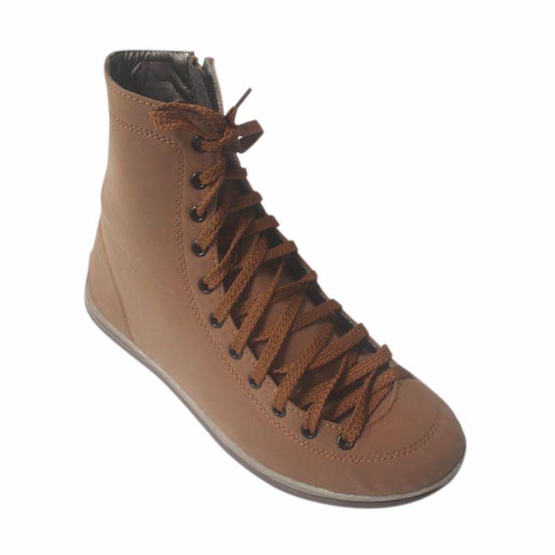 V33 Sepatu Boots Khaki