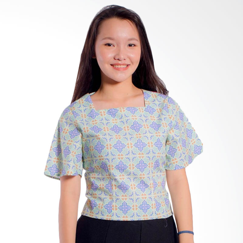Bateeq LA046 Short Sleeve Cotton Blouse - Blue