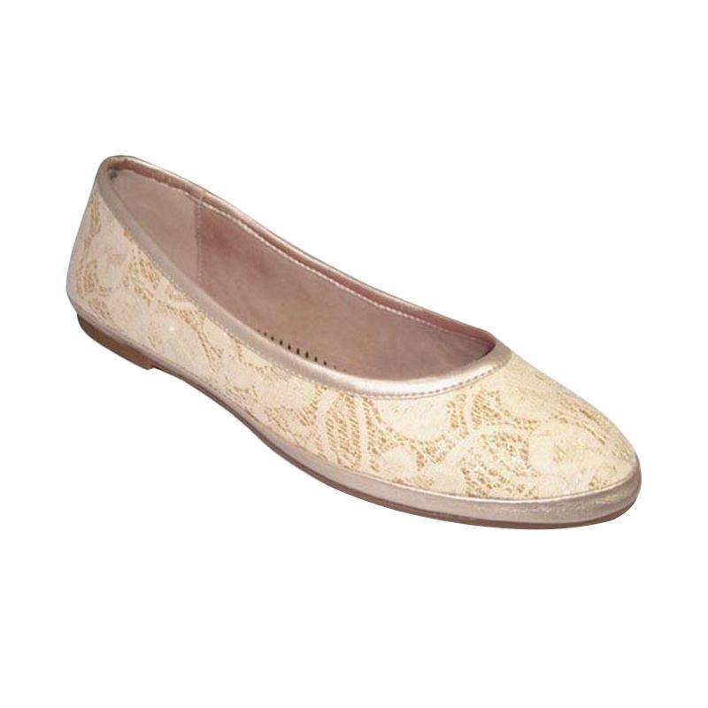 Benitz Flat 1301 Cream Sepatu Wanita