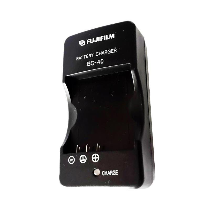 Fujifilm BC-40 for NP40 Hitam Baterai Charger