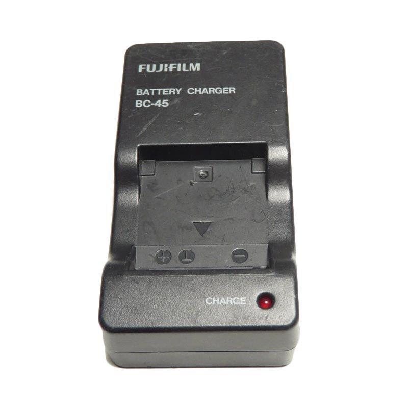 Fujifilm BC-45A for NP-45A Hitam Baterai Charger