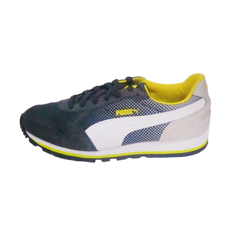 Puma ST Runner Shades Dark Shadow White Grey Violet Sepatu Lari (40.0) (Dark Shadow White Gray Violet)