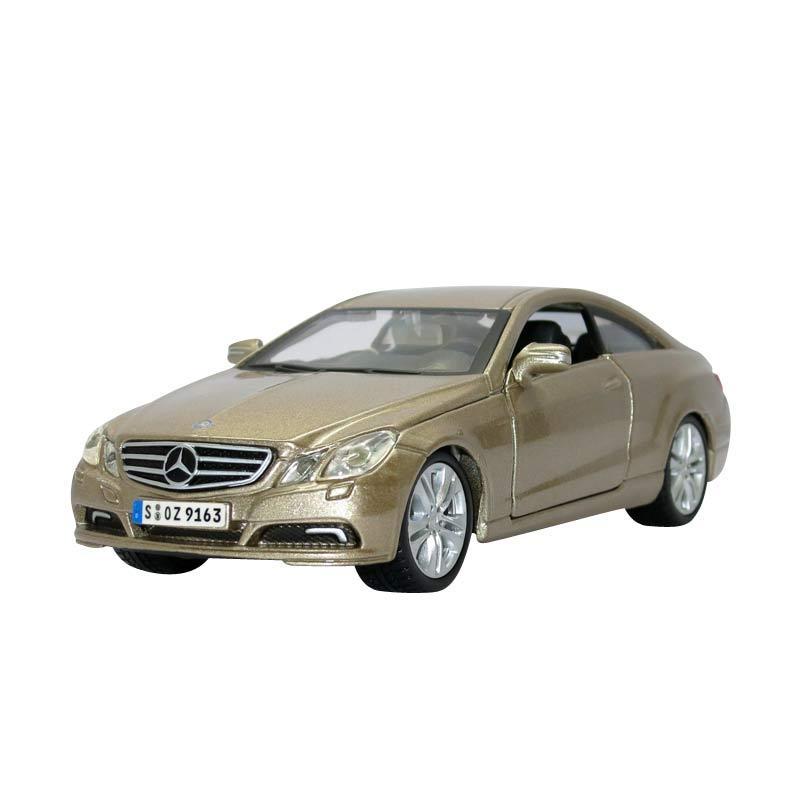 Bburago - 1:32 Mercedes-Benz E-Class Coupe