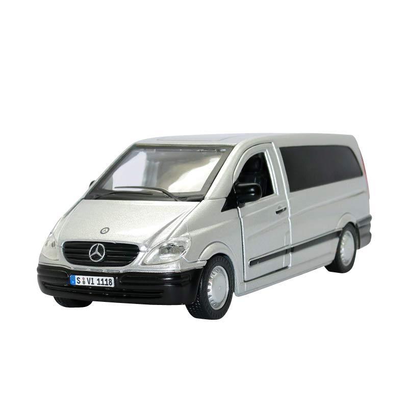 Bburago - 1:32 SFC Mercedes-Benz Vito - Silver