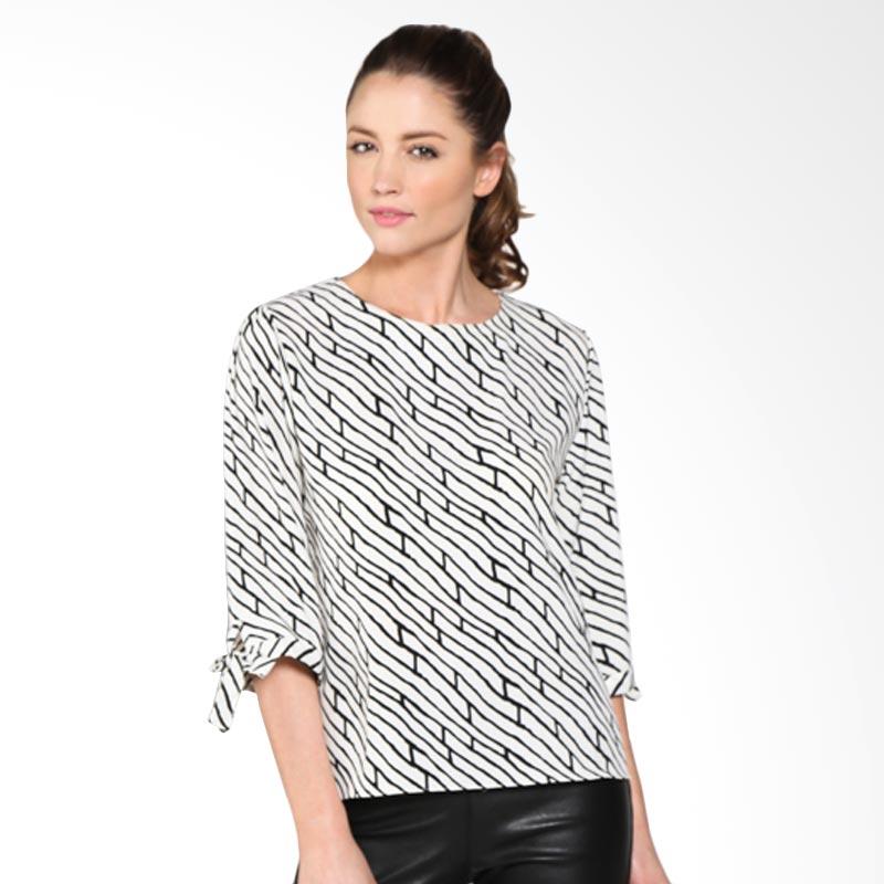 Carte Lady Diagonal Brick Print Top Atasan Wanita - Black white