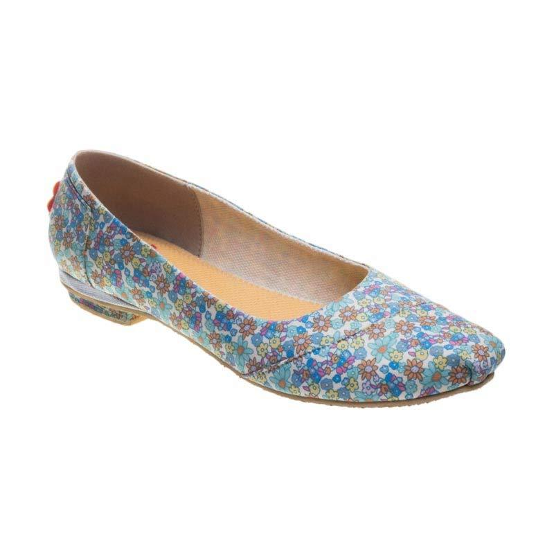 Caute Blue Tiny Flower Low Heel Flats