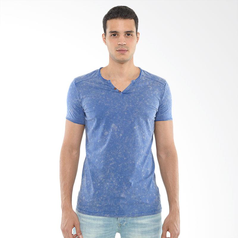 CVNL Buttoned Slimfit V Neck Biru Tshirt Kaos Pria Extra diskon 7% setiap hari Extra diskon 5% setiap hari Citibank – lebih hemat 10%