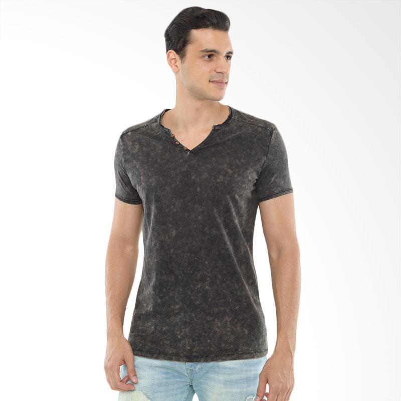 CVNL Buttoned Slimfit V Neck Hitam Tshirt Kaos Pria Extra diskon 7% setiap hari Citibank – lebih hemat 10% Extra diskon 5% setiap hari