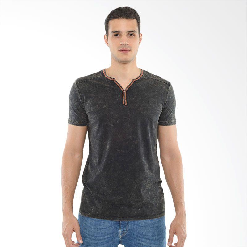 CVNL Contrast Stitch Slimfit Henley Hitam Kaos Tshirt Pria Extra diskon 7% setiap hari Extra diskon 5% setiap hari Citibank – lebih hemat 10%