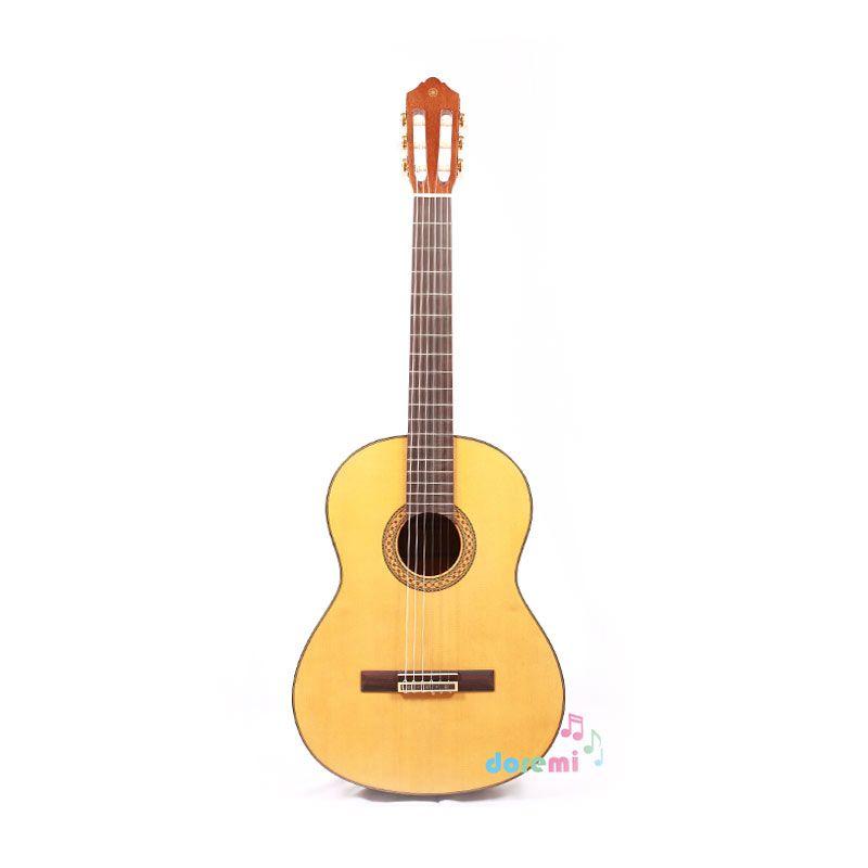 Yamaha Classic Guitar C-390