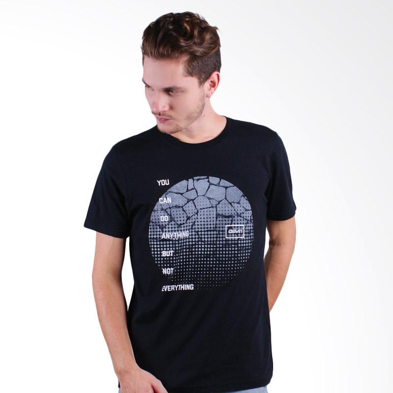 DSVN Bhargav Printed T-Shirt Kaos Pria - Black Extra diskon 7% setiap hari Citibank – lebih hemat 10% Extra diskon 5% setiap hari
