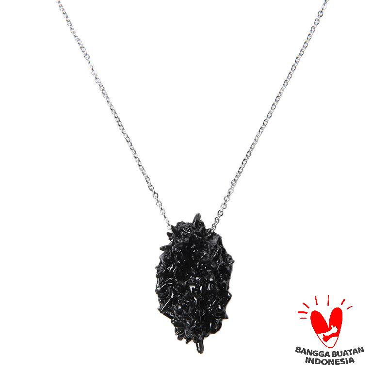 Environmental Jewelry Ouval Black Stone Silver Chain Necklace